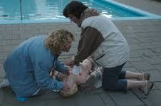 EHBO-oefening zwembad