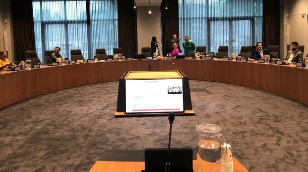 Inspreken in de Comissiezaal van de Stopera